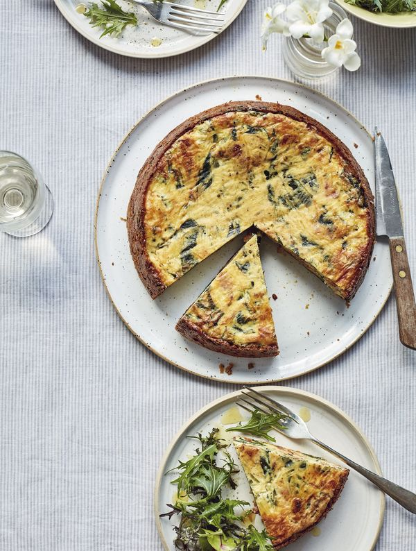 With easy, family-friendly recipes as well as all-out weekend feasts