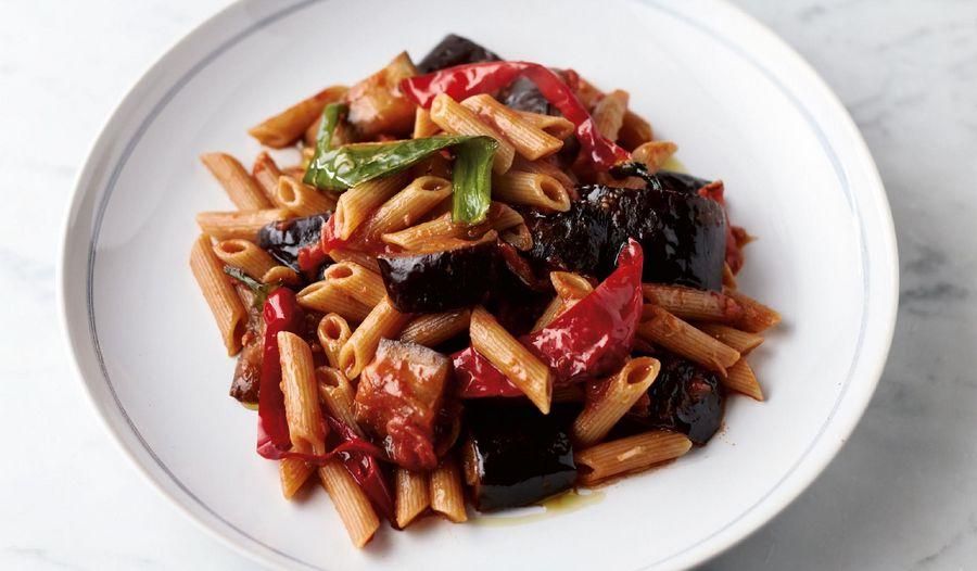 Jamie Oliver's Penne Arrabbiata | Quick & Easy Food Channel 4