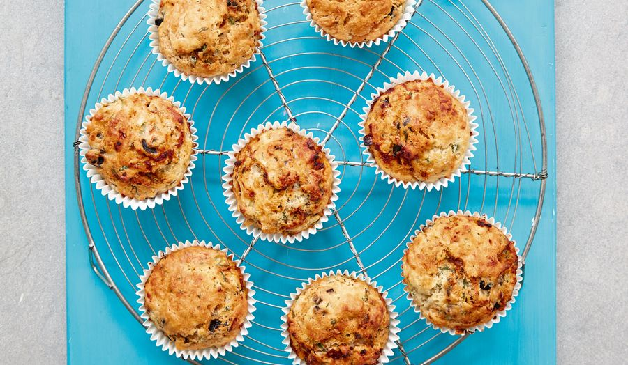 Mary Berry Speedy / Fast Cheesy Herb Muffins Recipe | Quick Cooking BBC 2