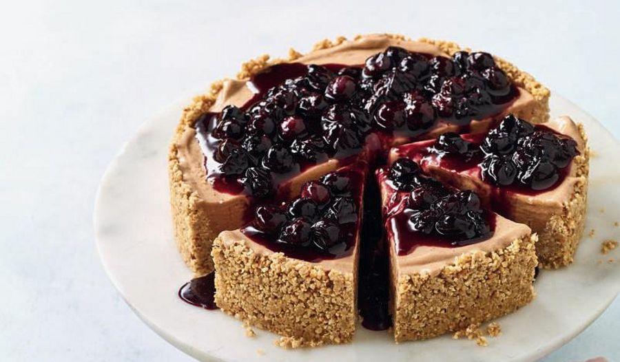 Nadiya Hussain Vegan Banana Blueberry Cheesecake | BBC2 Nadiya Bakes