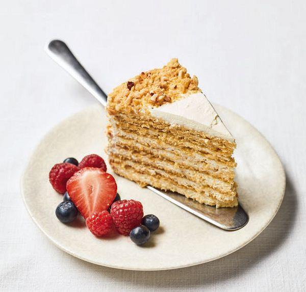 Nadiya Bakes BBC2 Honey Cake